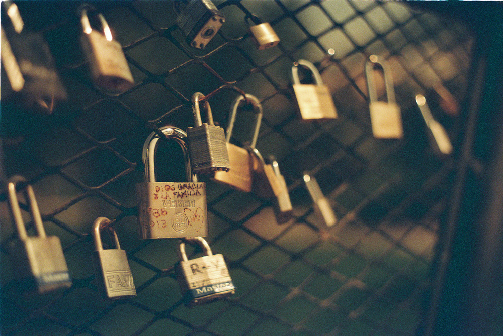 Locked out | Asahi Pentax Spotmatic | Kodak Ultramax 100 | Efrain Bojorquez