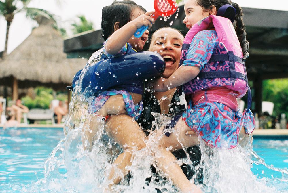 Pool time!! | Asahi Pentax Spotmatic, Fuji ProPlus 200 | Efrain Bojorquez