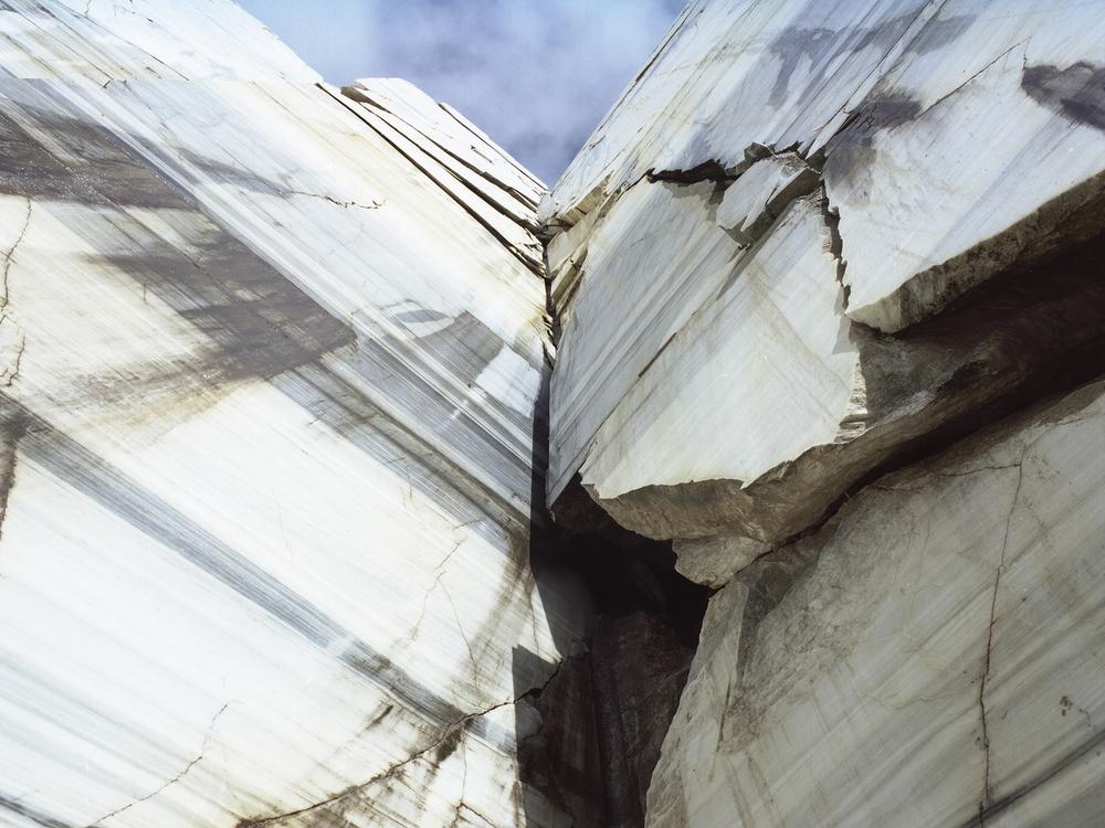 The Crack | Mamiya m654  | Umberto