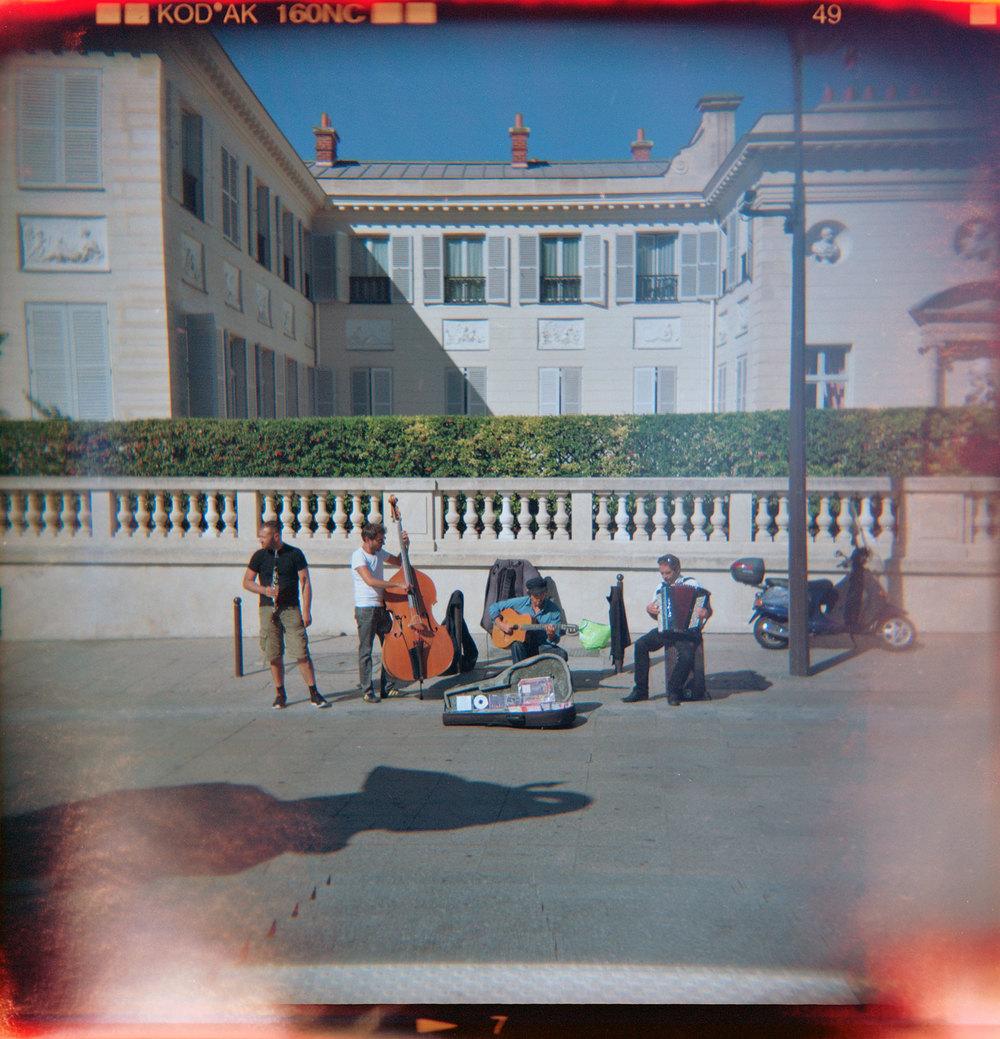 Paris Street Music |Holga 120FN |Katie Mollon
