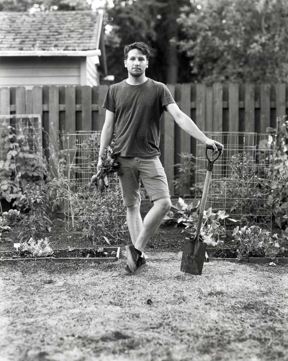 Sarah  Taft | Monthly Garden Portrait | Deardorf