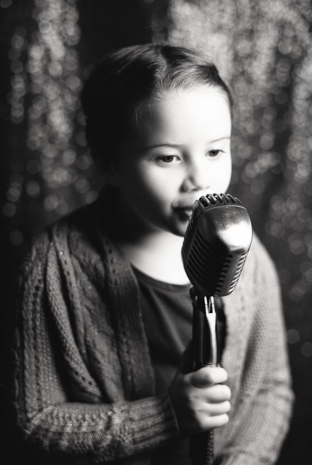 Ruby Berry | Songbird | Mamiya 645 ProTL | Rollei Retro 80S