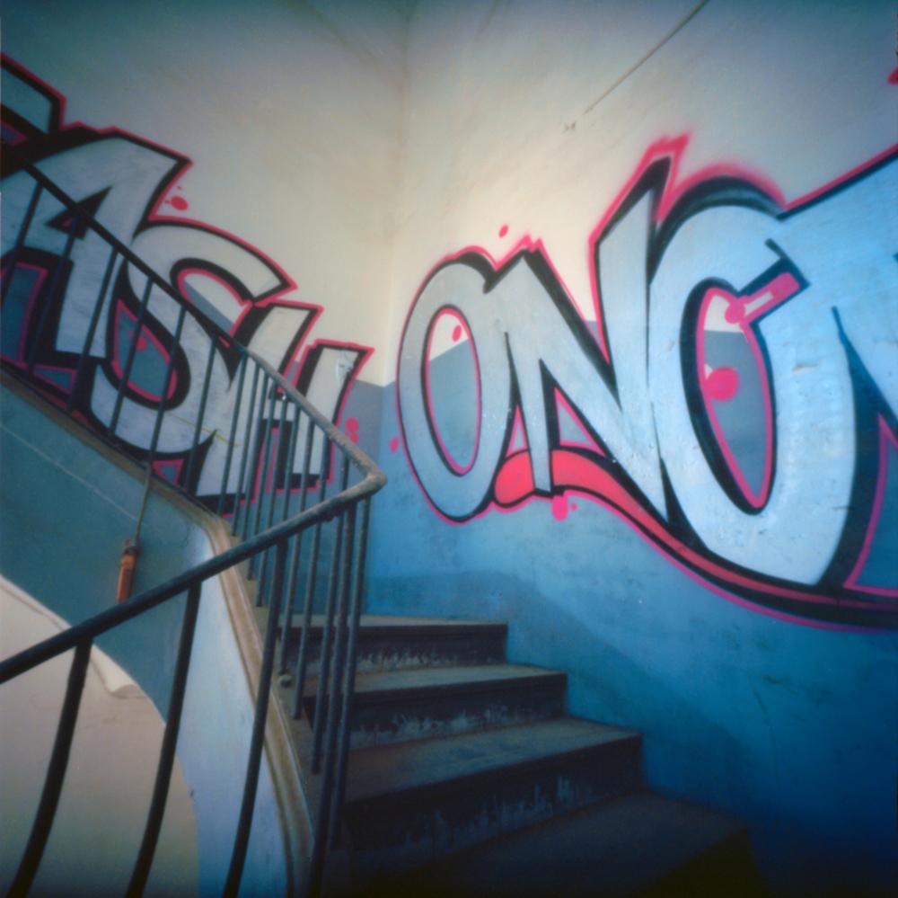 graffiti | NOPO 6x6 pinhole | Kodak Ektar | Jesús Joglar