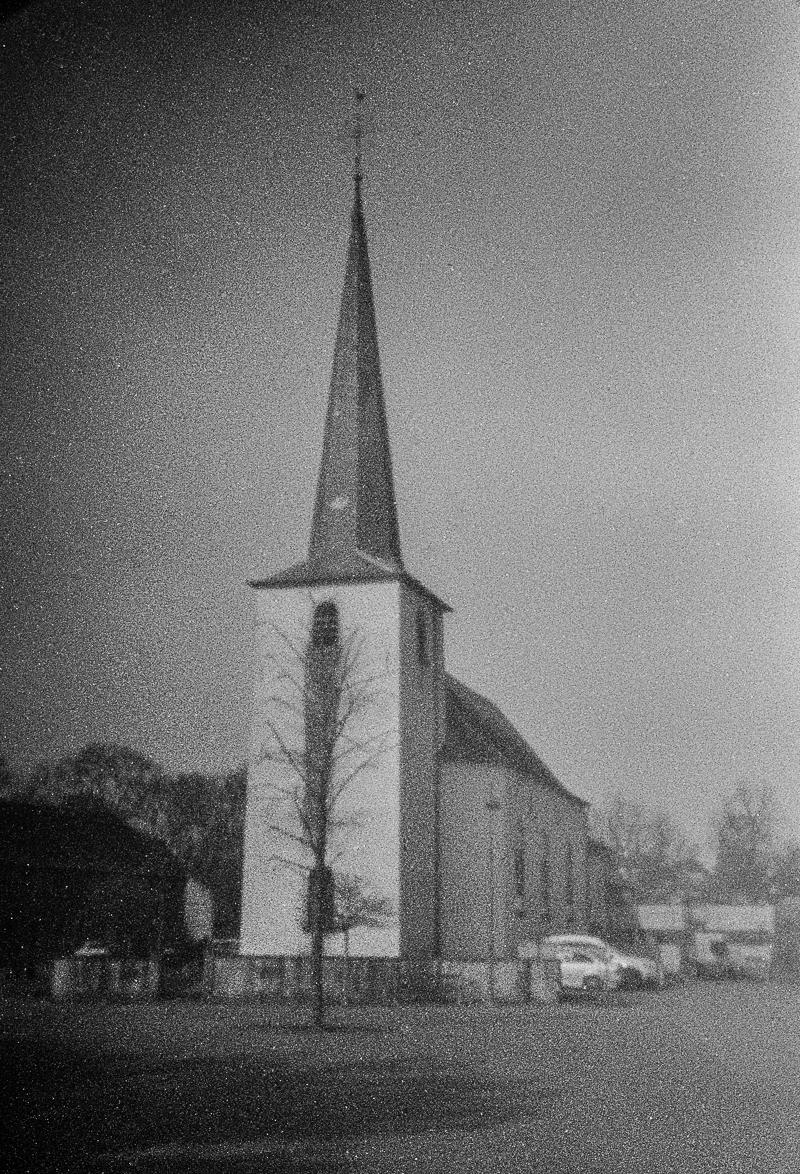 Church of Sprinkange | Pentax MZ-S | Holga-HPL-P | ADOX CHS 100 ART | Hans ter Horst