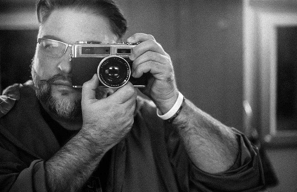 Achim Burgardt | Old School Mirror Selfie | Yashica 35 Electro