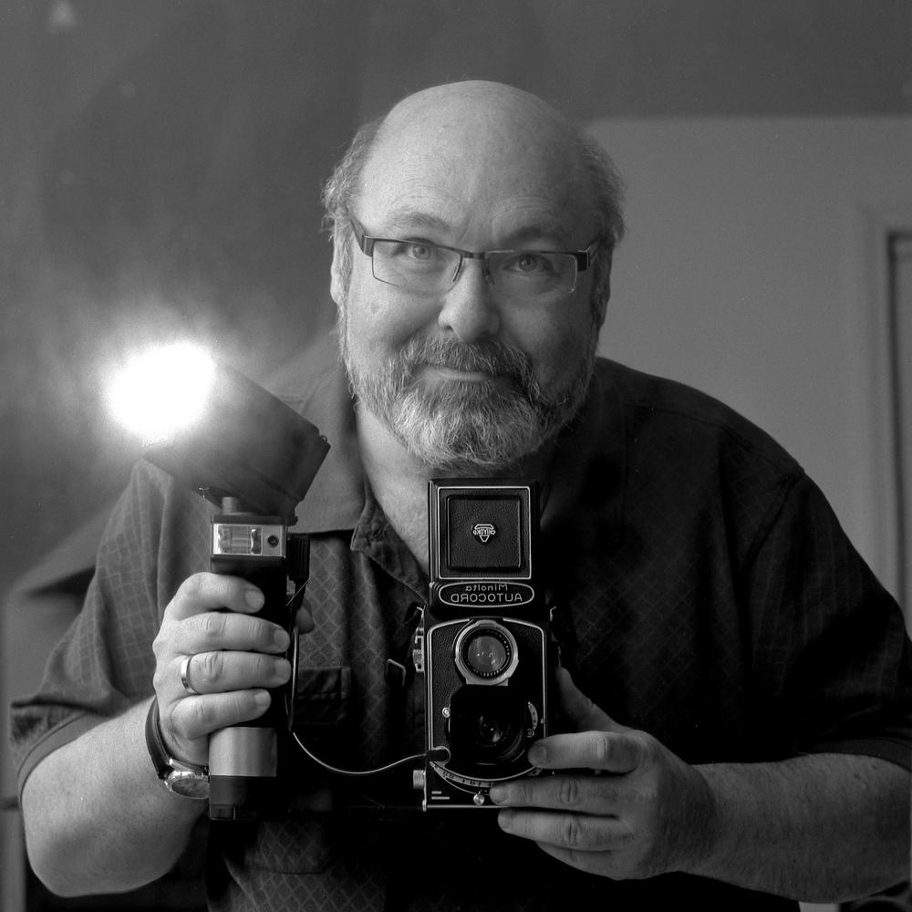 Howard Sandler | selfie | minolta autocord | Acros