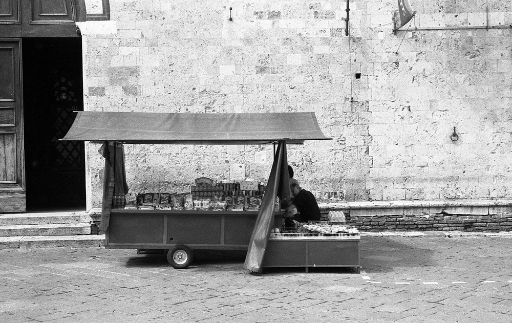 Siena Food Cart | Nikon FM2 | Barbara Justice