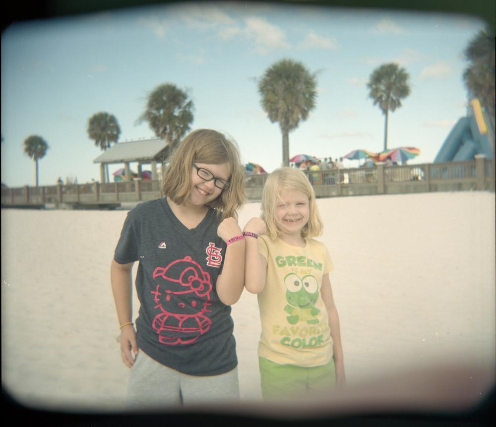 BeachBracelets_Holga_Portra400_BradLechner.jpg