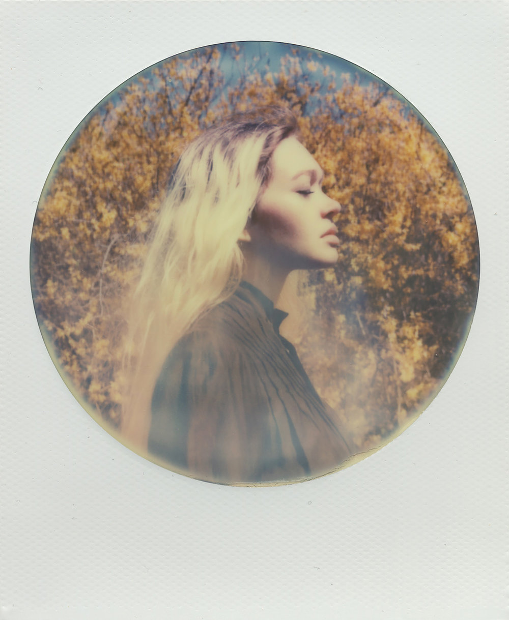 GOOD MOURNING | POLAROID SLR680 | IP 600 SPEED ROUND FRAME | NIKITA GROSS