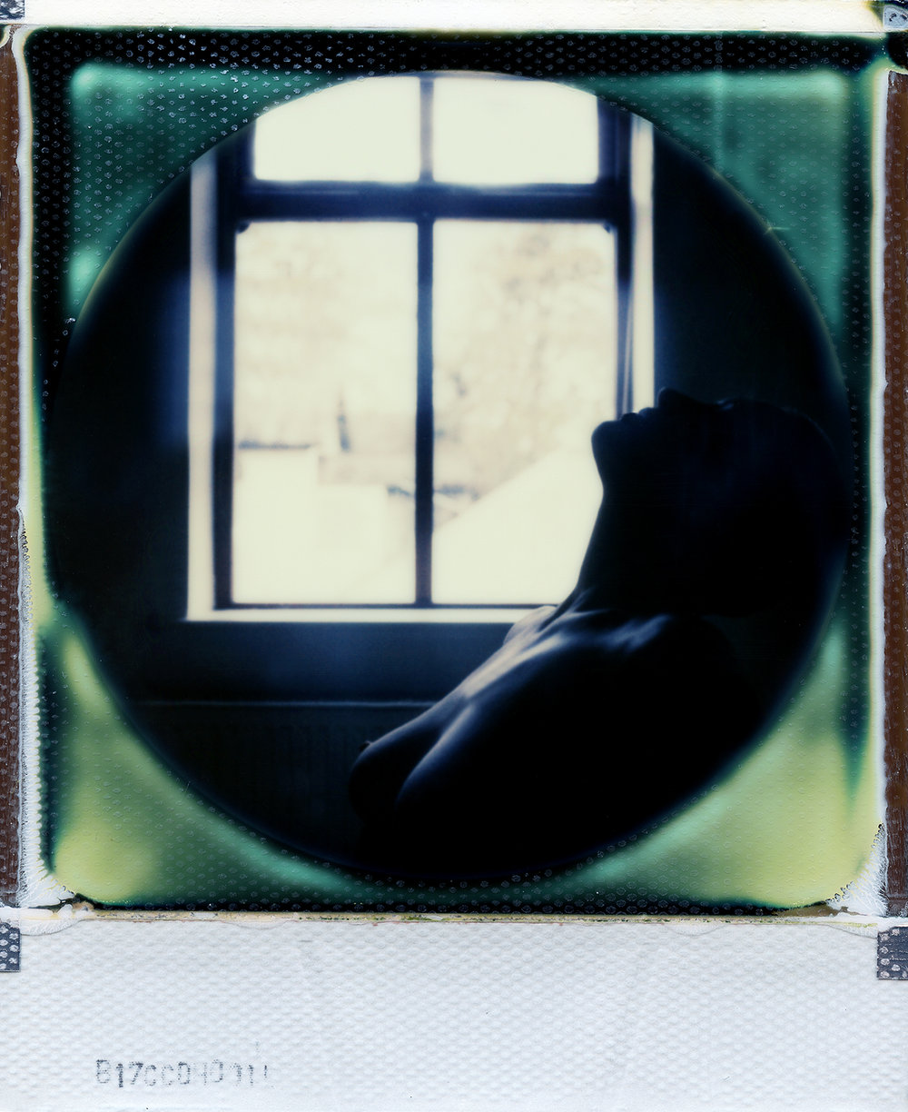 Still | Polaroid SX70 | Impossible Project 70 Color Round Frame | Dee Elegia | @iamelegia