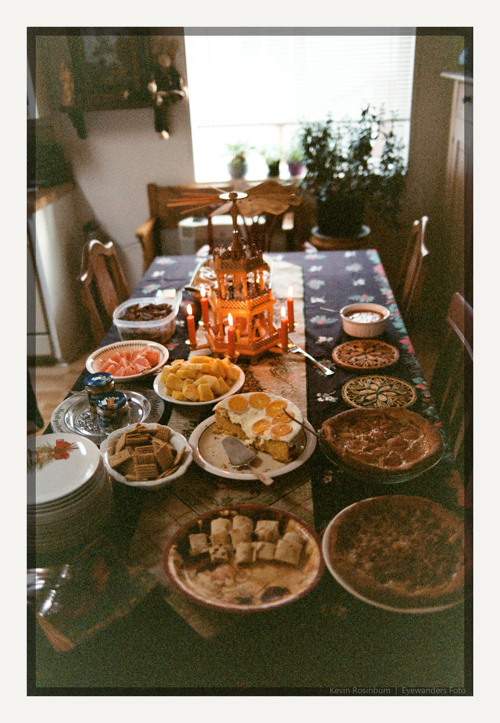 Christmas Morning Breakfast | Pentax MZ3 FA31mm | Kodak VPS 160 | Kevin Rosinbum