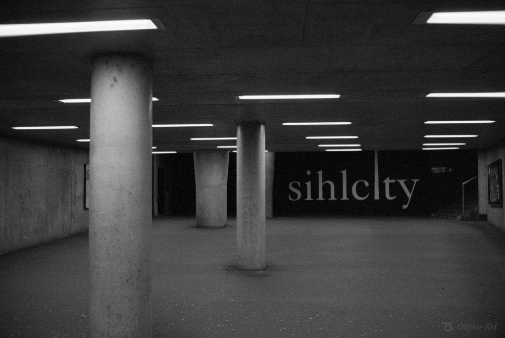 Underground SihlCity | Voigtländer Bessa R3M | Nokton 35mm 1.4 SC | Kodak Tri-X 400
