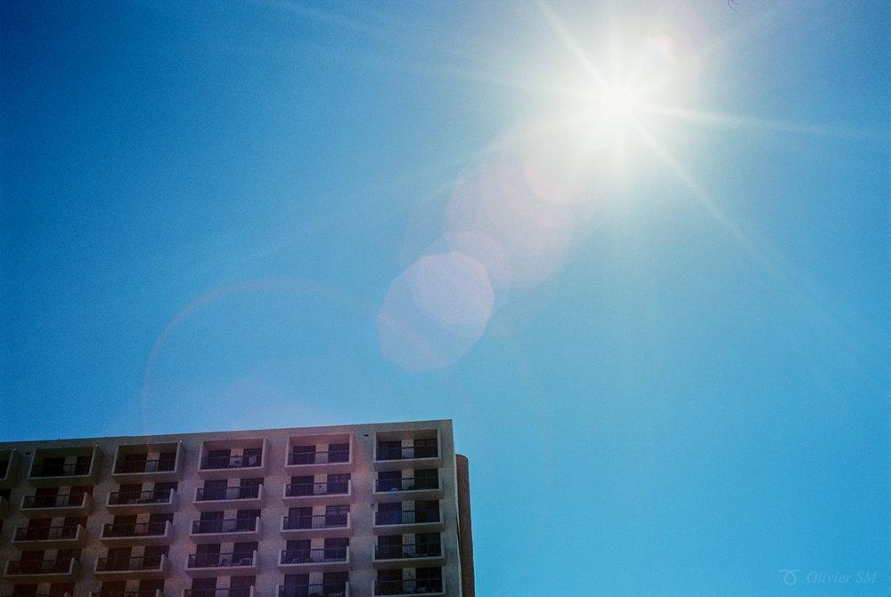 Miami Sun | Voigtländer Bessa R3M | Nokton 35mm 1.4 SC | Kodak Ektar 100
