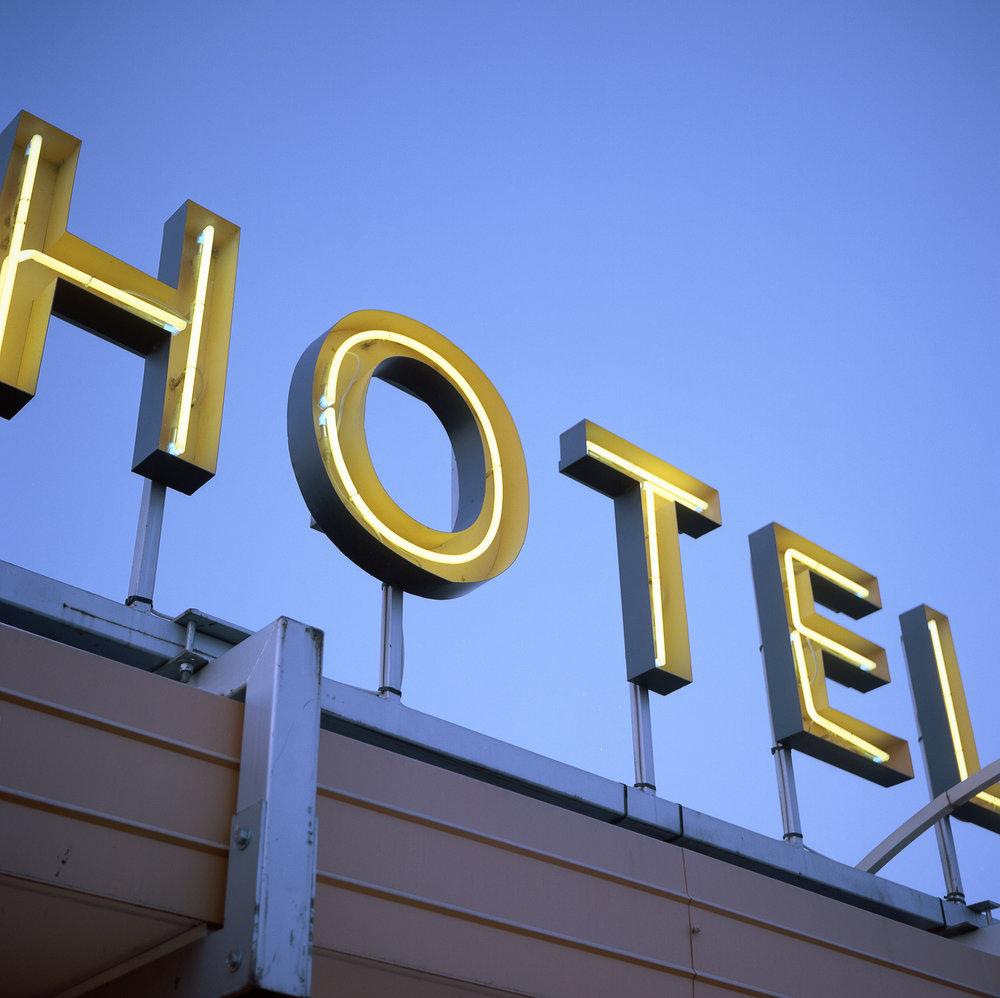 Hotel | Minolta Autocord | Kodak Portra 400 | Robert Law