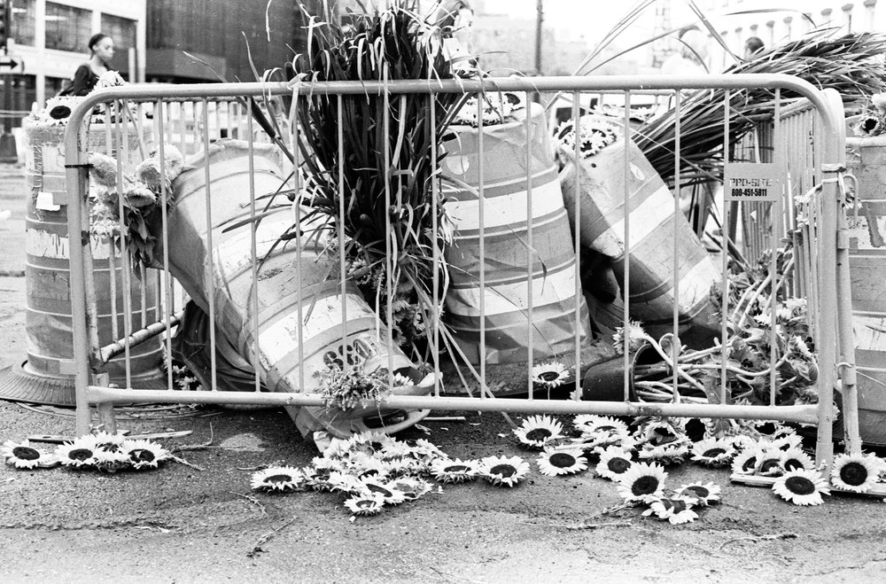 Guerilla Art | Leica M7 | Ilford 400 | Yana Azova