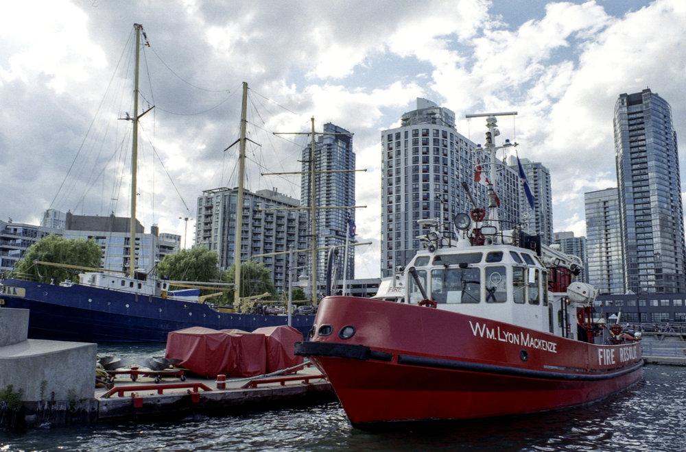 Wm Lyon Mackenzie Fireboat.jpg