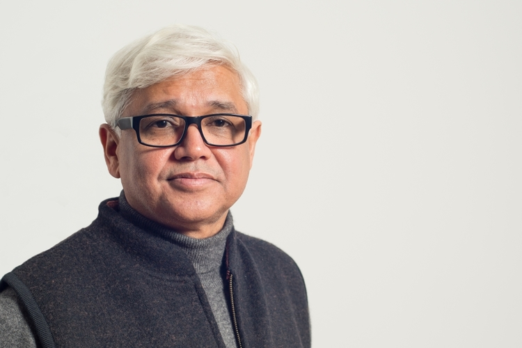 amitav ghosh a pioneer writer Home how can we explain the origins of the great wave of paranoid hatreds that seem inescapable in our close-knit world – from american 'shooters' and isis to trump, from a rise in vengeful nationalism across the world to racism and misogyny on social media.