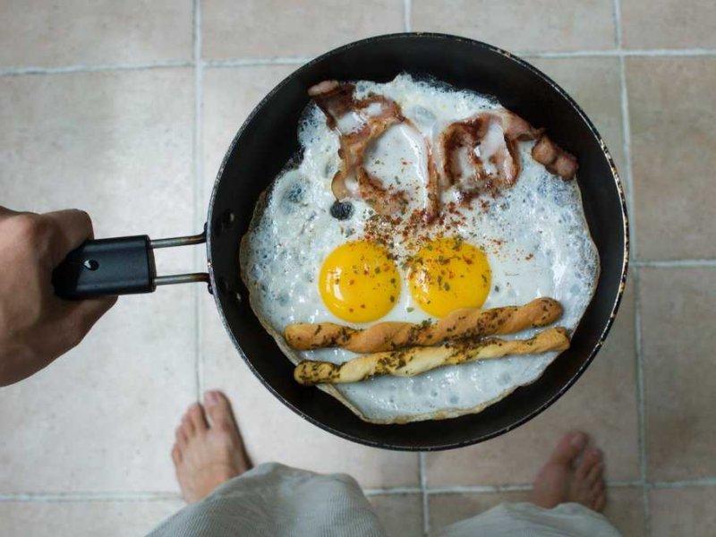pan-eggs-3.jpg