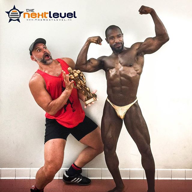 Sometimes @christian_aka_xn just can't even handle how amazing the athletes from @thenextlevel_teams are. @kee_fab is one of those incredible athletes. Truly representing great ideals, and what #ThePowerOfTeam is all about. #bodybuilder #drugfreebodybuilding #wnbf #vtaper #biceps #abs #wewentwithmetallicgoldtrunks #contraposto #contestprep #contestday #mensphysique #aesthetic #gaybodybuilder #FindTheWhy #KnowYourReasons #TheoryOfJoy #prepcoach #shredded #datgrin #hamsandwich #LiftYourPassion #JoinYourTeam