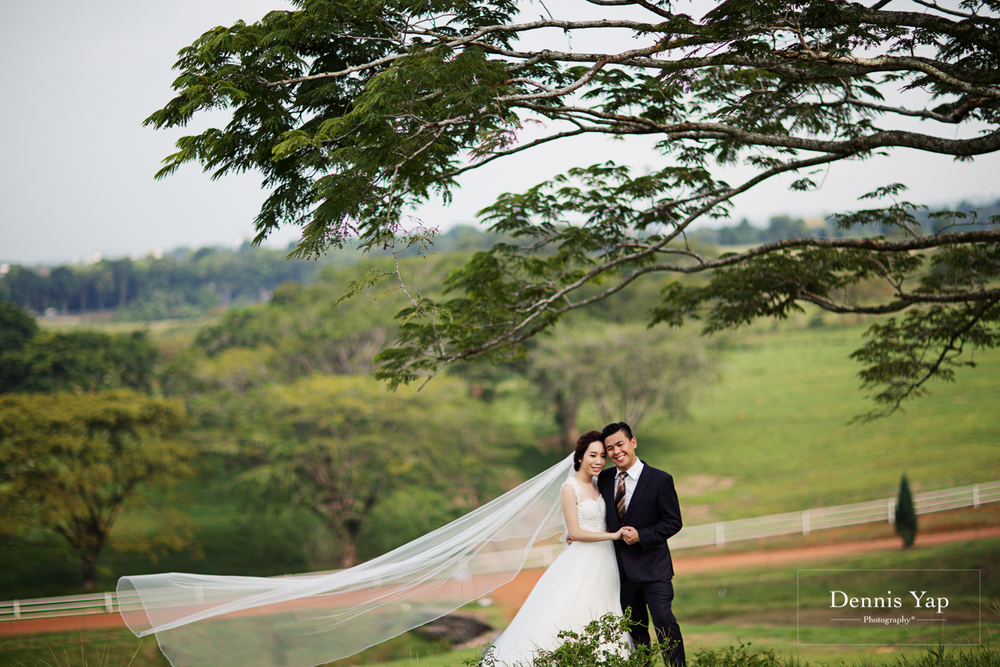andrew kathy pre wedding dennis yap photography home UPM farm cheeky style-37.jpg