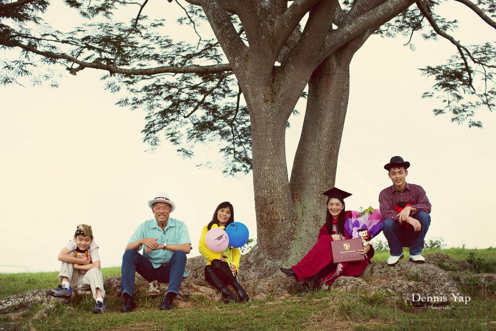 tieng wei graduation upm putrajaya family portrait graduation portrait dennis yap photography-2.jpg
