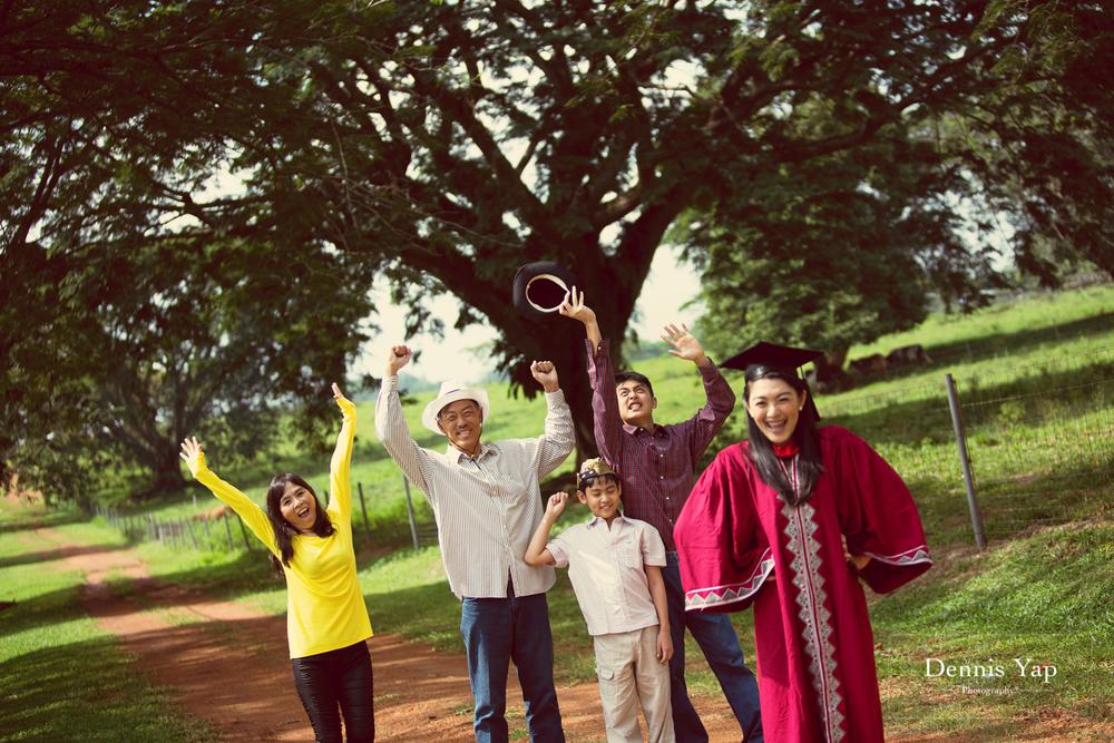 tieng wei graduation upm putrajaya family portrait graduation portrait dennis yap photography-5.jpg