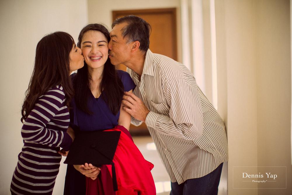 tieng wei graduation upm putrajaya family portrait graduation portrait dennis yap photography-10.jpg