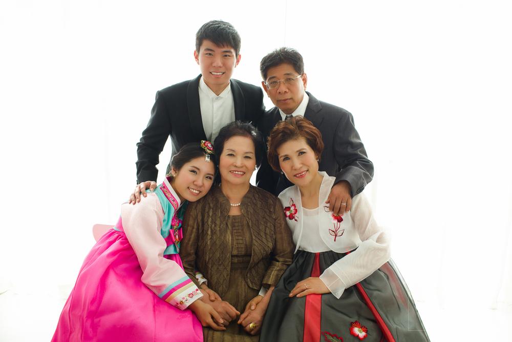 bee bee family portrait korean hanbok and formal style dennis yap photography korean mix-2.jpg