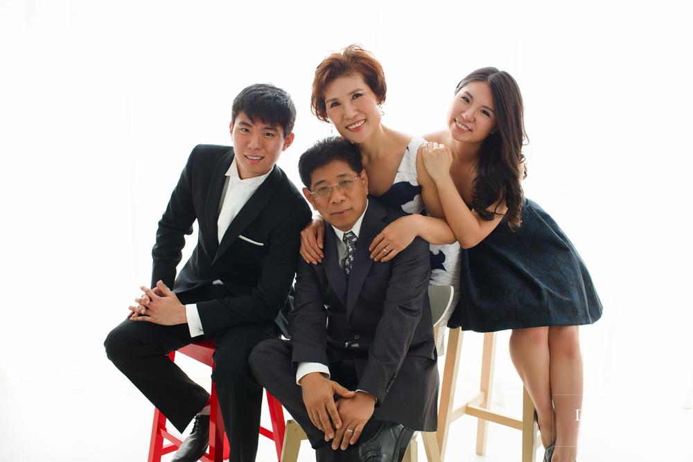 bee bee family portrait korean hanbok and formal style dennis yap photography korean mix-5.jpg