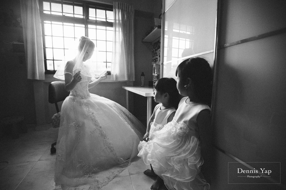 jonathan micaela wedding day church recemony in singapore at mary of the angels by dennis yap photography-2.jpg