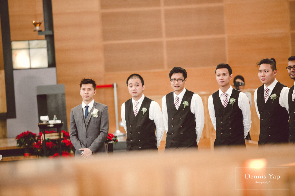 jonathan micaela wedding day church recemony in singapore at mary of the angels by dennis yap photography-16.jpg