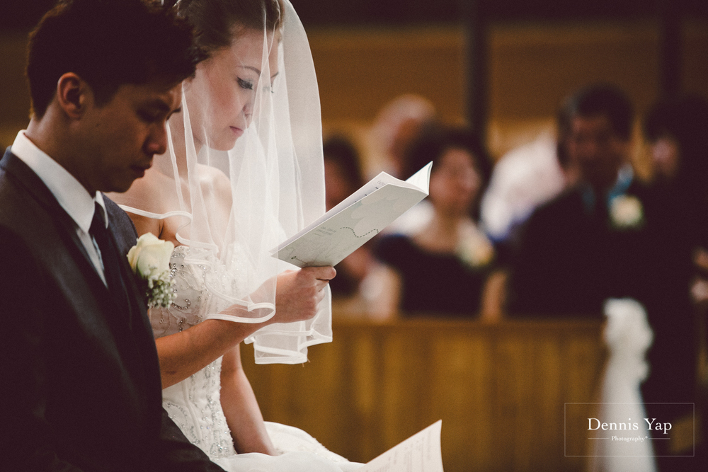 jonathan micaela wedding day church recemony in singapore at mary of the angels by dennis yap photography-22.jpg