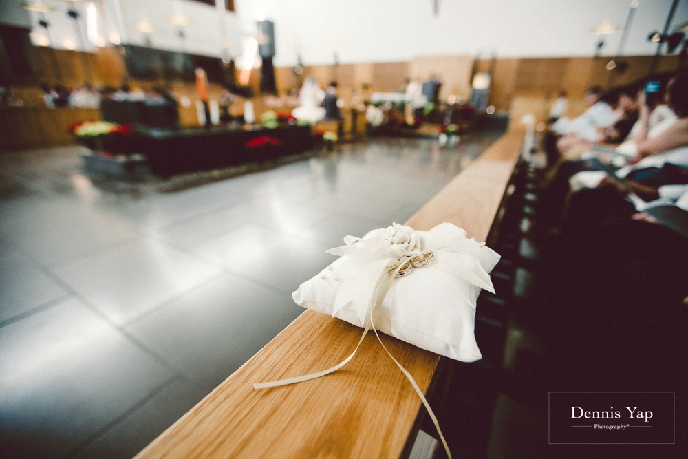 jonathan micaela wedding day church recemony in singapore at mary of the angels by dennis yap photography-23.jpg