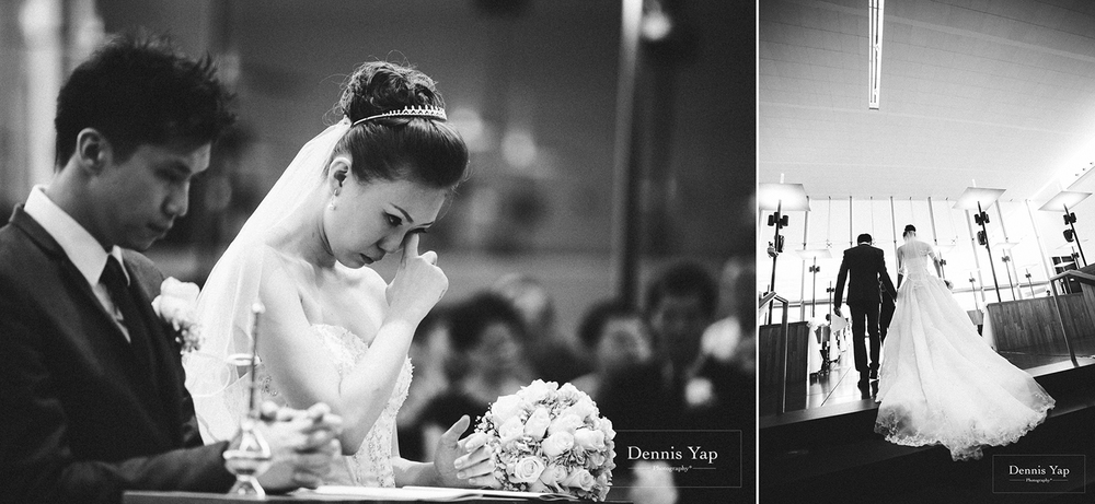jonathan micaela wedding day church recemony in singapore at mary of the angels by dennis yap photography-26.jpg