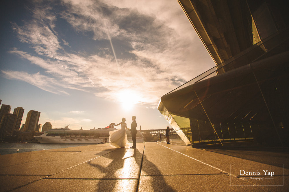 richard shwu sian sydney opera house pre wedding sunset pigeons dennis yap photography-15.jpg