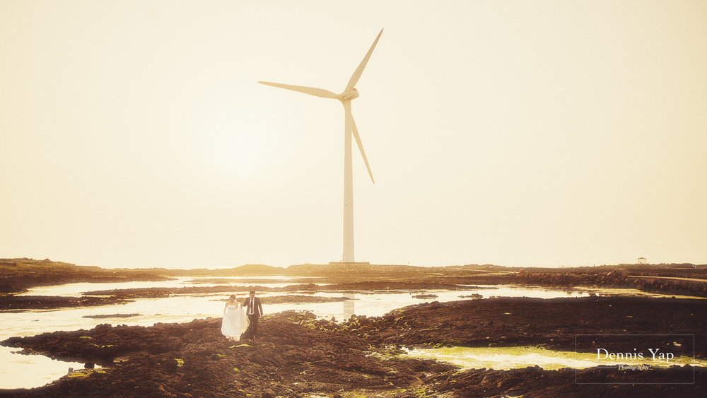 jimmy phillis prewedding jeju island malaysia top wedding photographer wind turbine-24.jpg