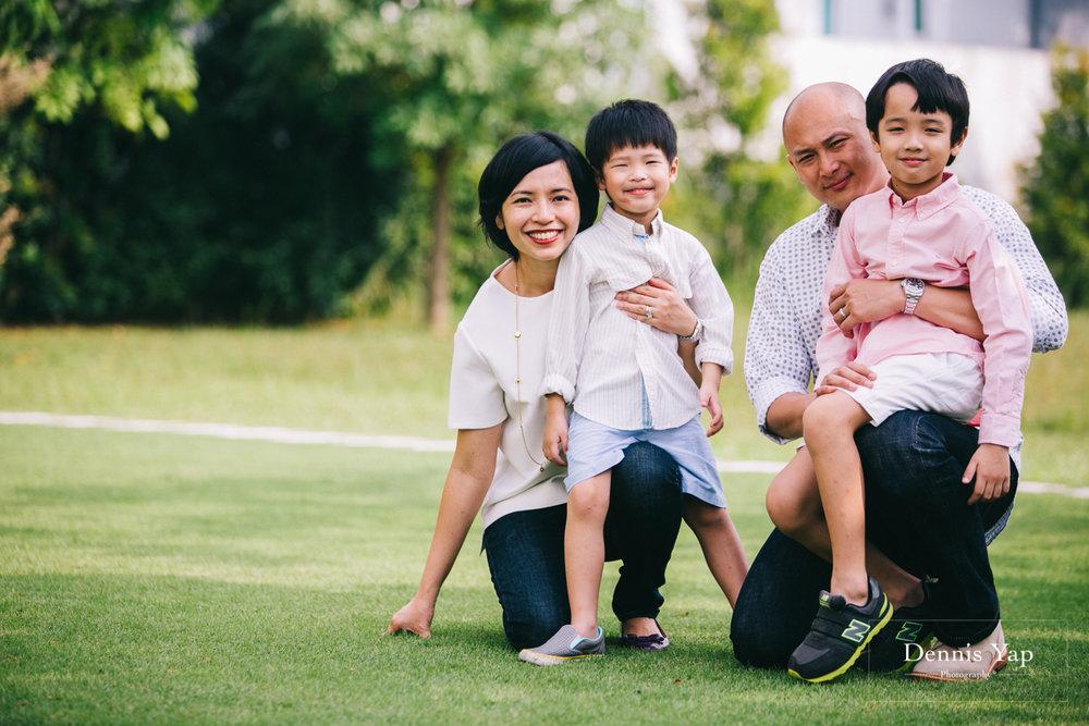 lim family family portrait beloved outdoor setia eco park-7.jpg