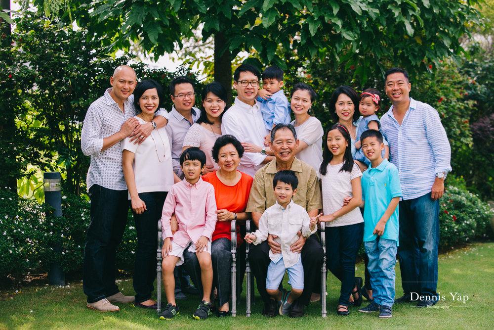 lim family family portrait beloved outdoor setia eco park-14.jpg