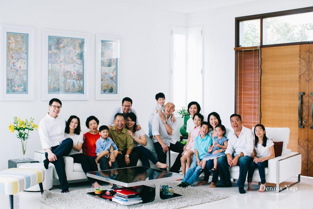 lim family family portrait beloved outdoor setia eco park-16.jpg