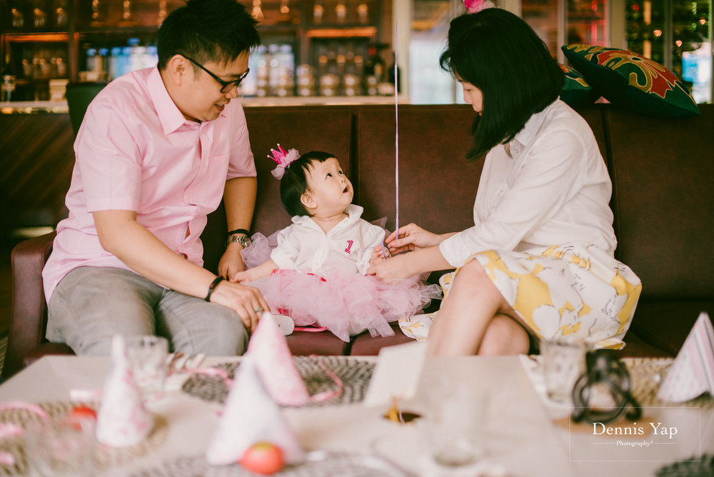 yu xing birthday baby party singapore orchard road cake dennis yap photography-8.jpg