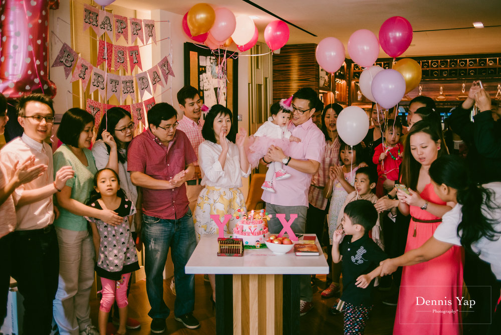 yu xing birthday baby party singapore orchard road cake dennis yap photography-15.jpg