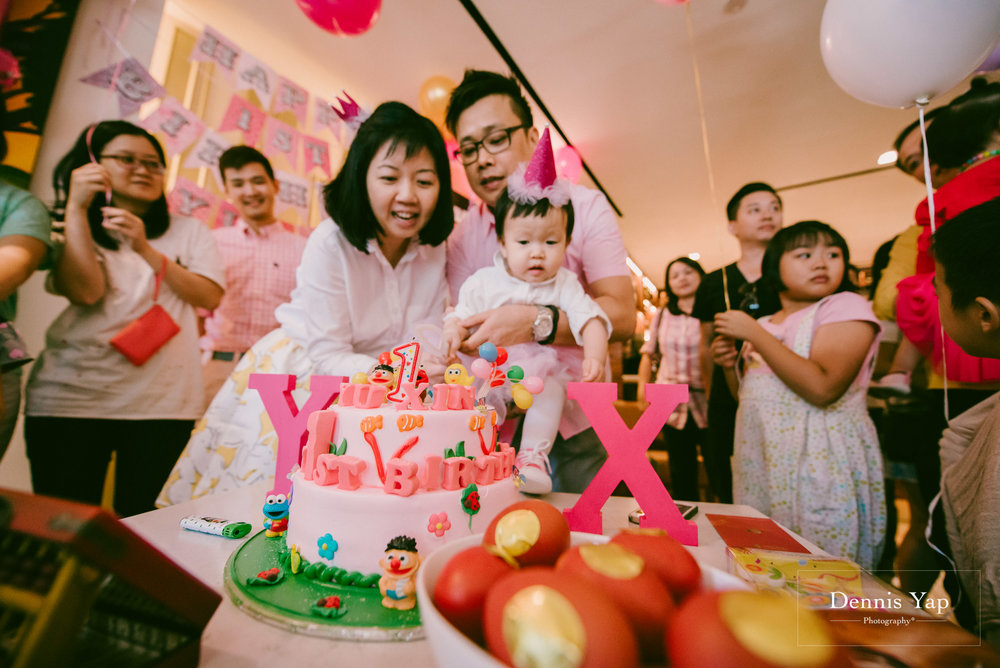 yu xing birthday baby party singapore orchard road cake dennis yap photography-16.jpg