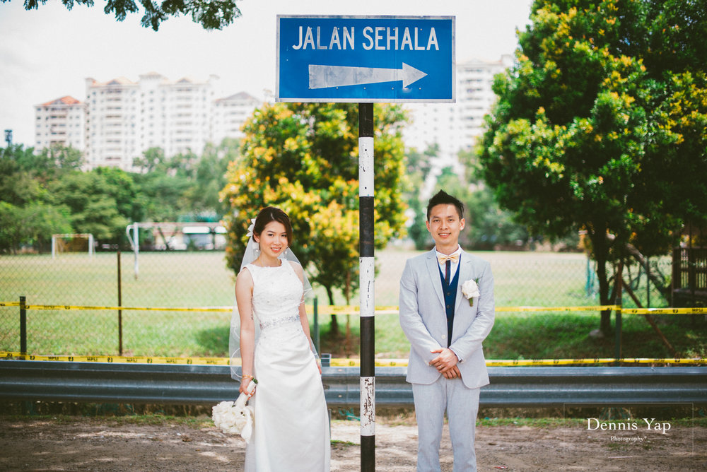william gladys wedding day petaling jaya dennis yap photography sweet family brick sign board malaysia top photographer-31.jpg