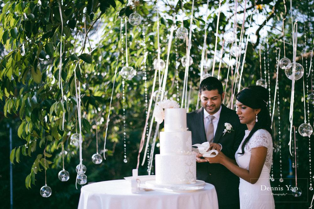 javed zenysha muslim wedding ceremony seri carcosa negara dennis yap photography maldives couple-23.jpg