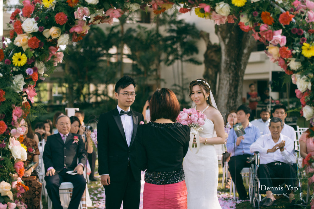 taylai cheng yee garden wedding saujana hotel subang jaya dennis yap photography sunlight-15.jpg