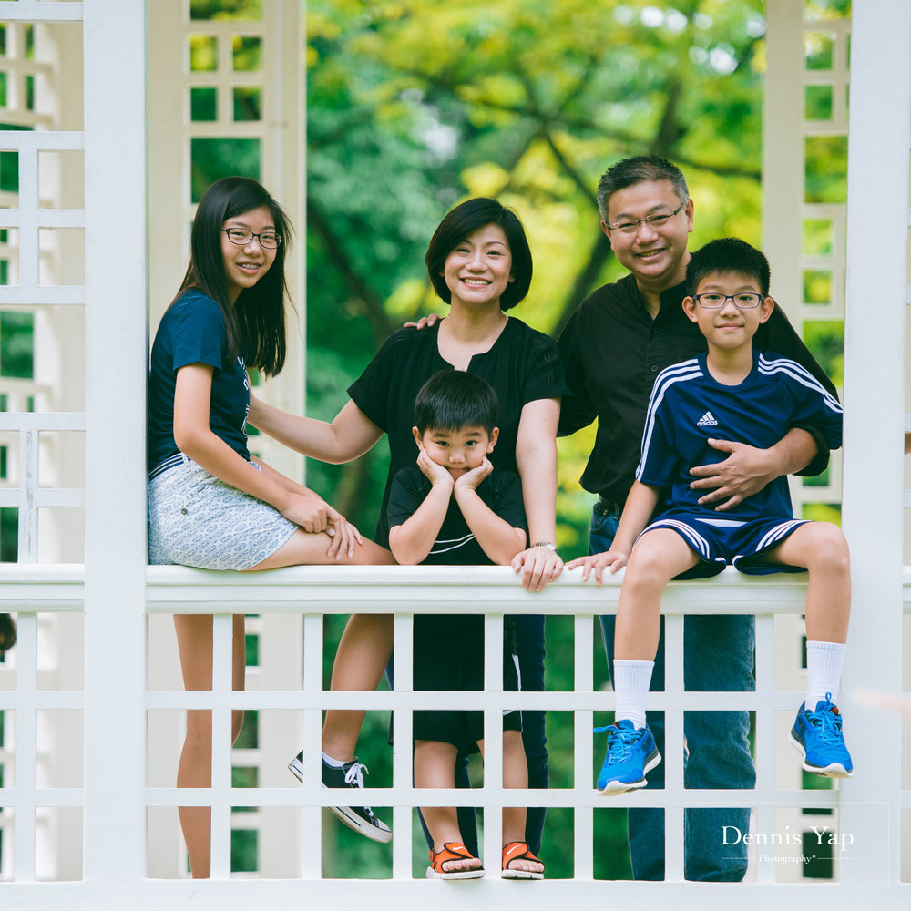 mai yin family portrait singapore botanical garden dennis yap photography malaysia-8.jpg