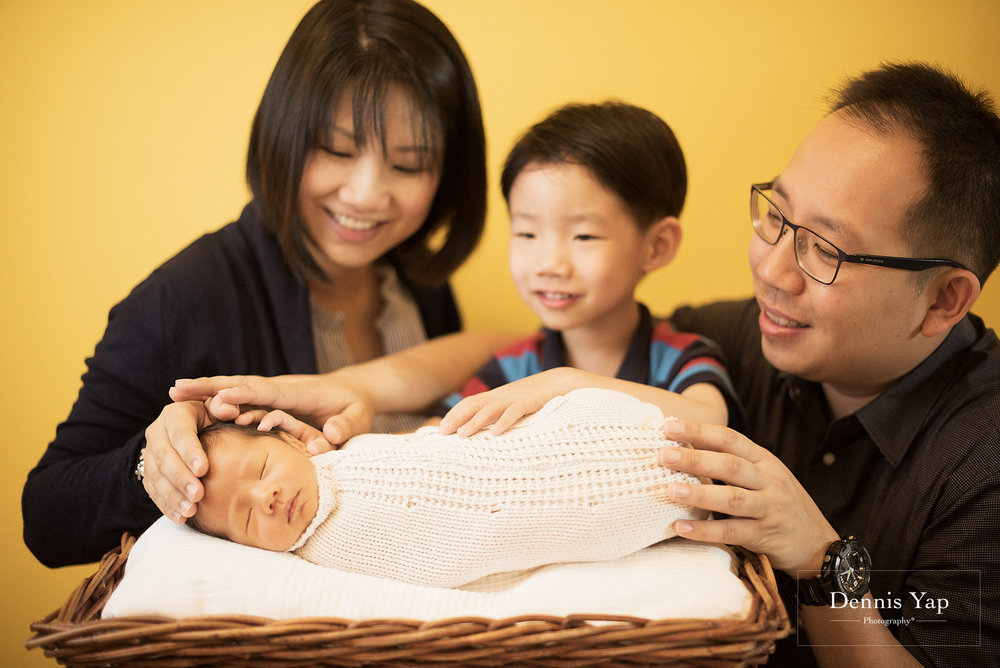 evan baby family portrait dennis yap photography life portraiture-4.jpg