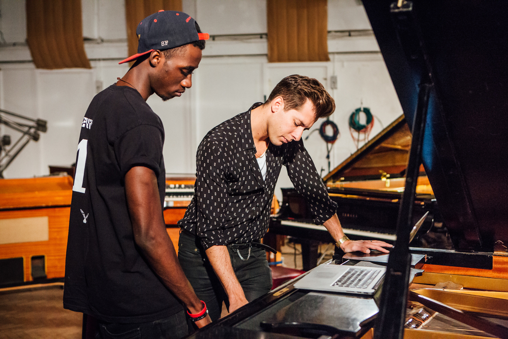 Mark Ronson & Dap / Abbey Road