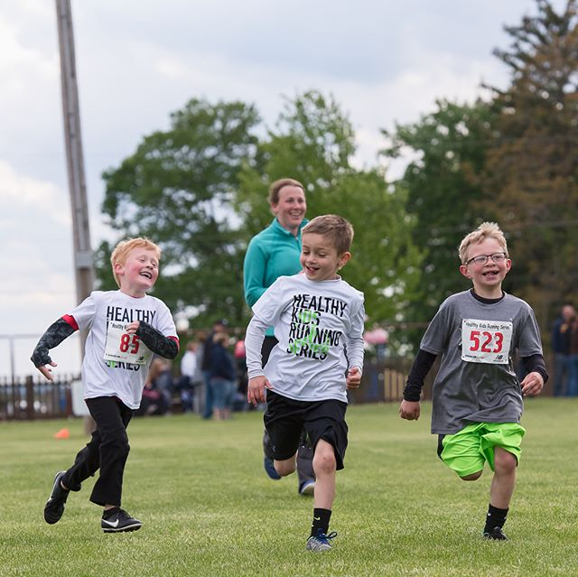 2 days and counting till the @healthykidsrs in #Newmanstownpa. If you are in the area, get those kiddos out there to use up some of that energy. I'll be there taking pictures again this year! I'll post the gallery links to each week's run on Facebook a few days after that week's race. You'll be able to download photos or order prints of your child right from the online gallery. Any questions let me know :) Here are some of my favorites from last Spring's Healthy Kids Running Series event. Even threw a few of the adult mile in there too! :) Enjoy!! #runningphotos #runningisfun #makerunningfun #kidsrunningphotos #kidsraces #kidsrace #kidsphotography #toddlerphotography #getupandgo #getoutsndplay #lancasterpaphotographer #photographyislife #photographyismylife #kiddos