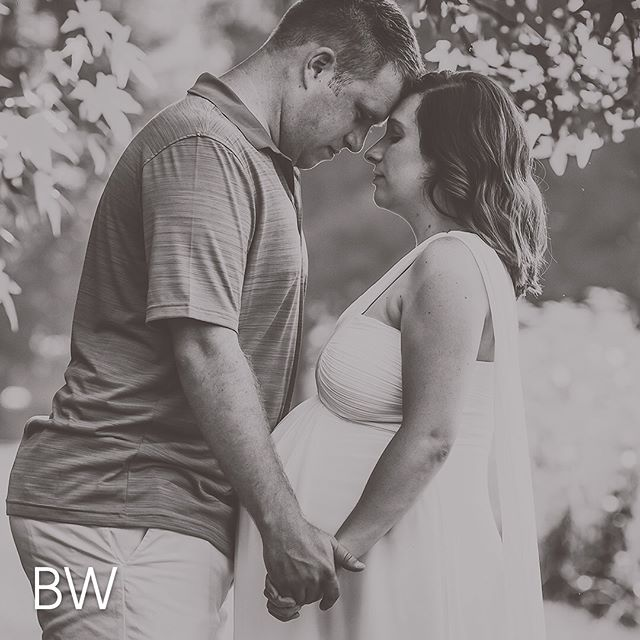 I love the timeless feel of black and whites but how can you go wrong with the warm golden hour tones? What do you think black and white or color? #blackwhitephoto #blackwhitepic #blackwhitewednesday #bwwednesdays #bwwednesday #maternityphotosession #maternityphotographers #maternityshootideas #maternityshoots #maternityportrait #lancasterpaphotographer #maternityphotograph #middlecreekwildlife #maternitypics